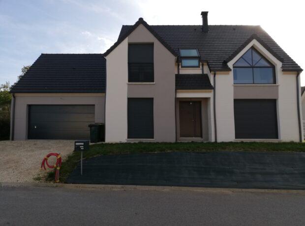 Modèle Design avec grand garage accolé