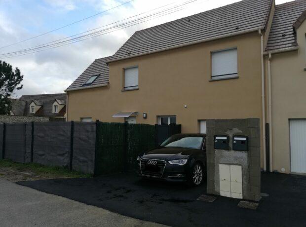 Voici 2 jolies Maisons RVE mitoyennes livrées dans les Yvelines !