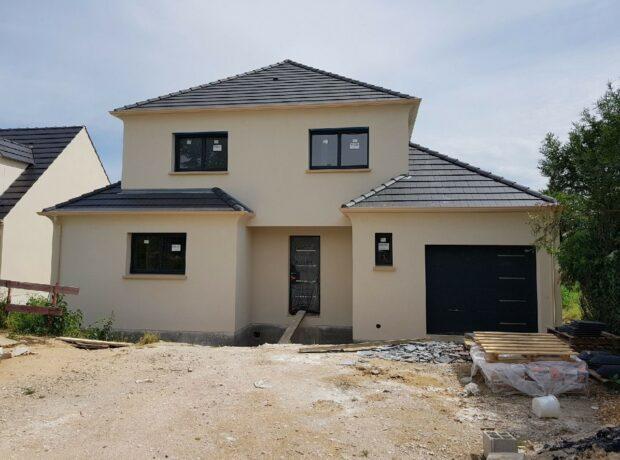 Modèle de maison toiture 4 pans